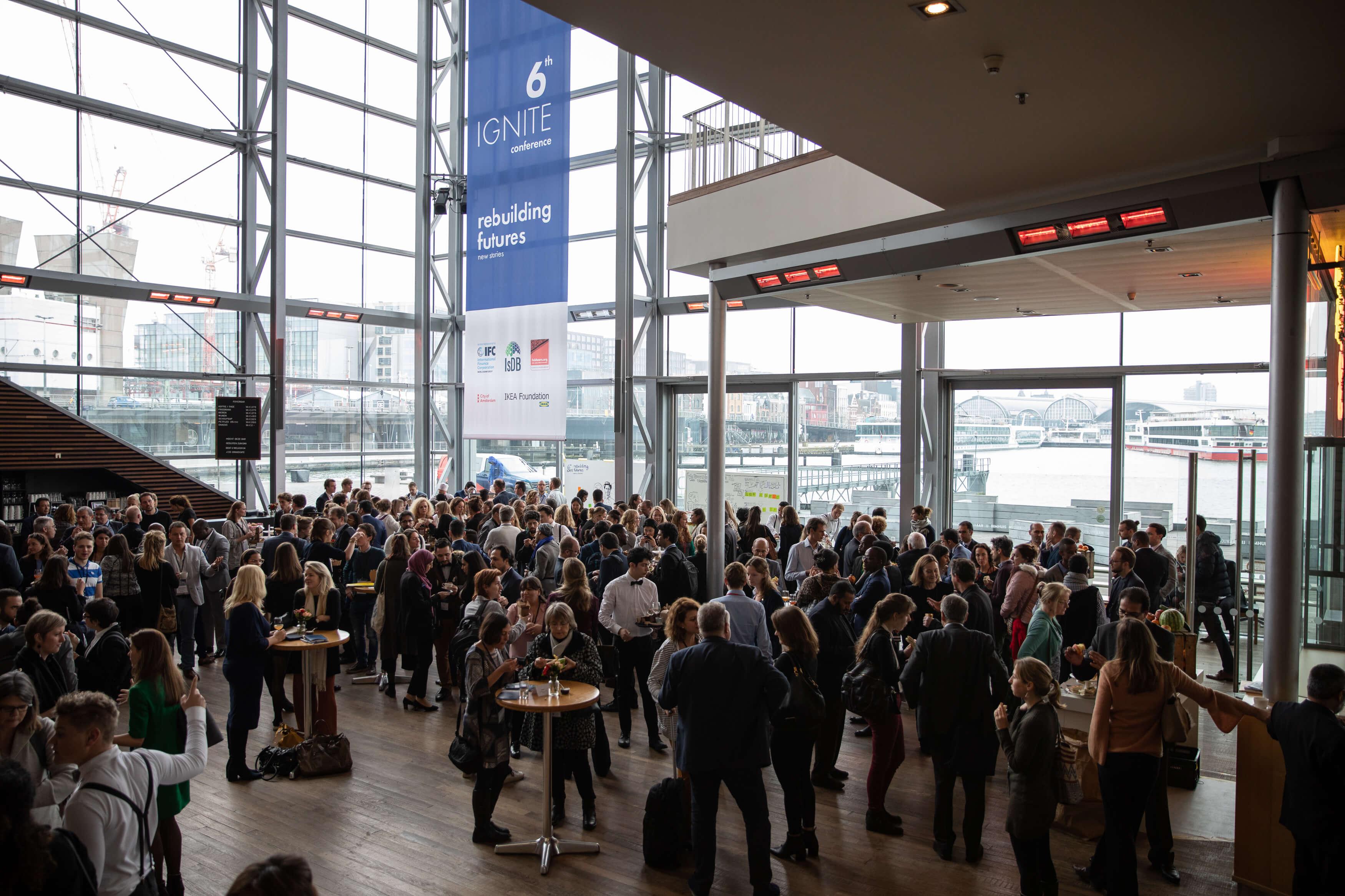 6 Cafe Stoelen.Ignite Conference 2019 Spark